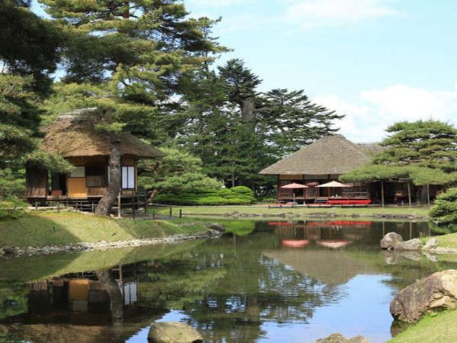 【御薬園】会津松平氏庭園として国の名勝に指定される。新滝から移築された建物も(当館より車で約10分)