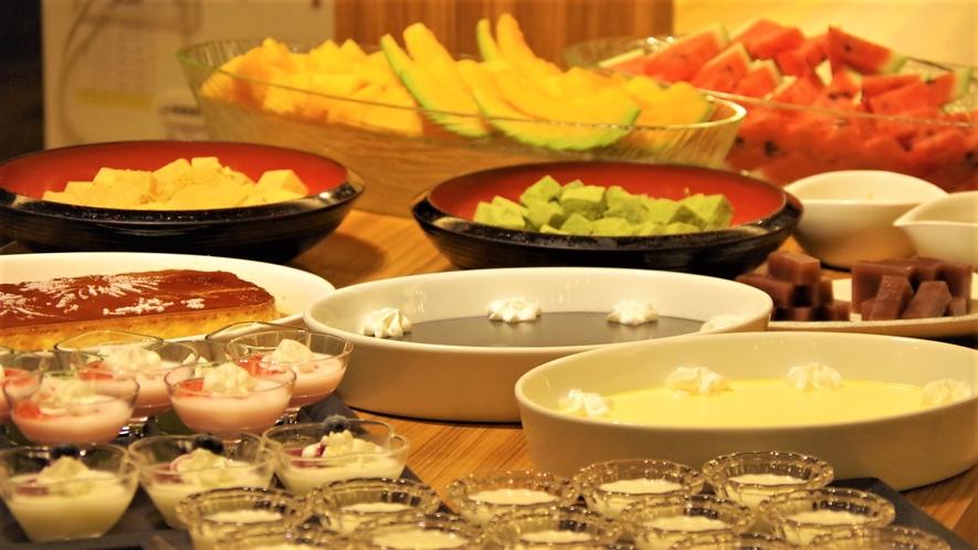 *夕食ビュッフェ一例 様々なデザートをご用意しております ※内容は変更となる場合があります