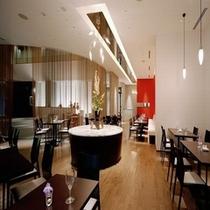1階レストランTrattoriaVentuno