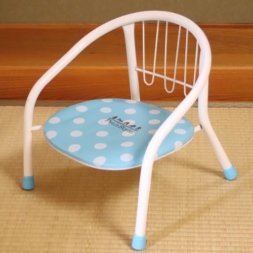 小さなお客様にはお子様用椅子をご用意致します。