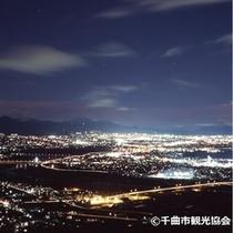 「姨捨サービスエリア」からの眺める夜景は絶景です。