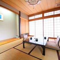 全客室、昔ながらの純和室となっております。ご到着後はおススメお茶菓子でほっと一息。