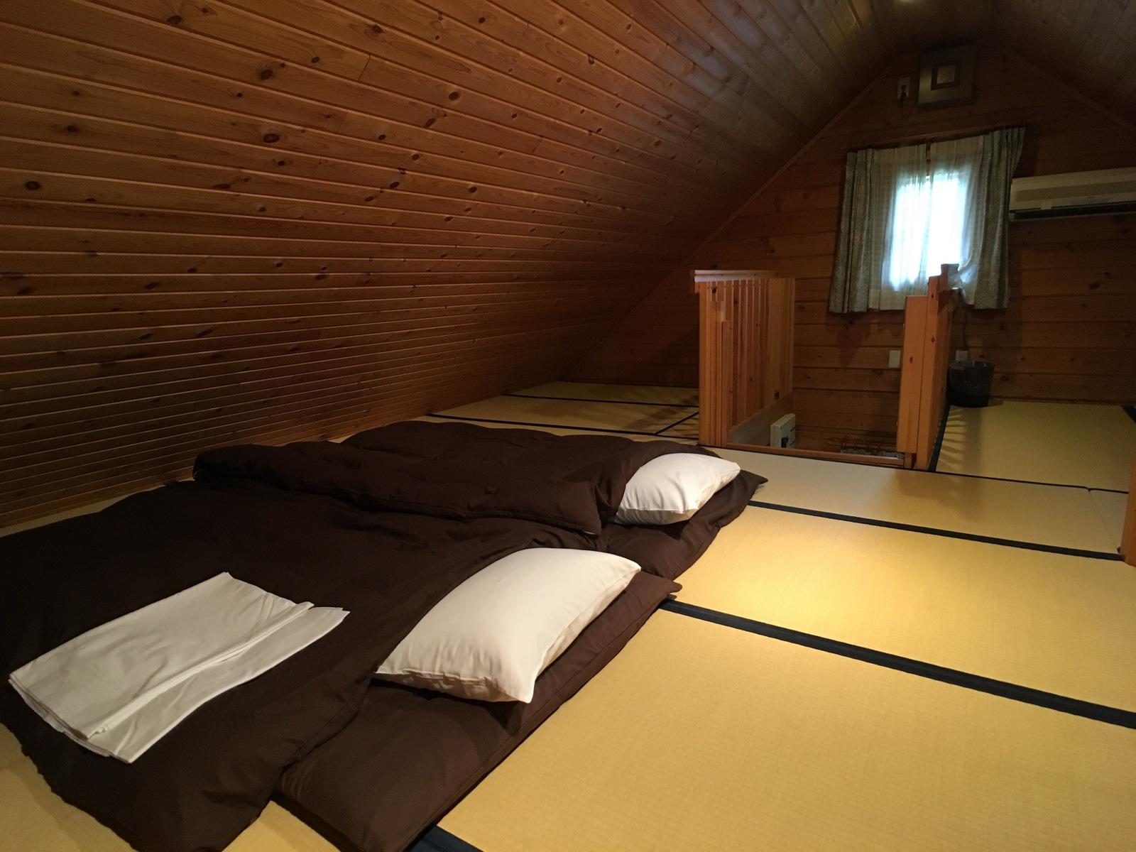 ロフト寝室(角度1)