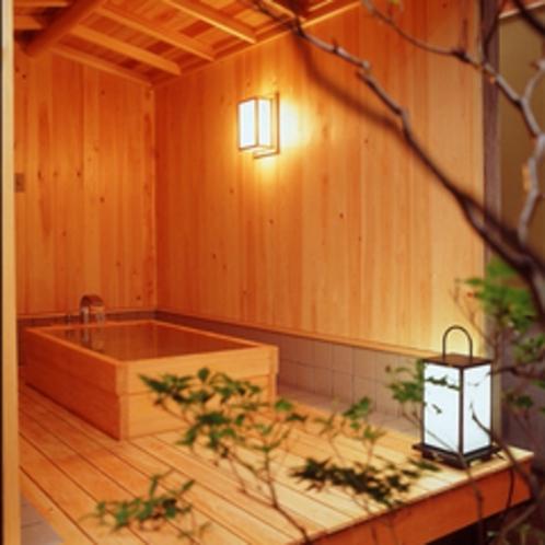 *離れ松風庵客室露天風呂イメージ『特別室 紫雲-しうん-』