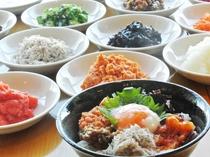 朝食ビュッフェ 「朝丼ぶり」