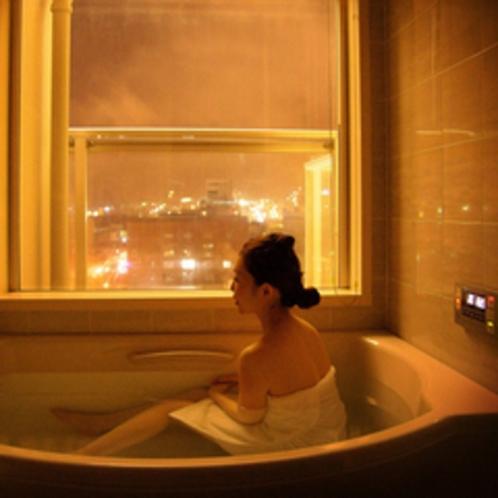 全室バスルームから函館山を望むことが出来ます。