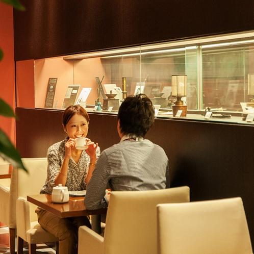 CafeMissJeanie 朝は朝食会場として、10時~17時はCafeとしてご利用ください。