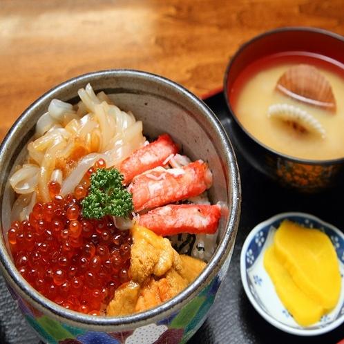 朝市朝食提携店 味の一番仲通り店 海鮮丼