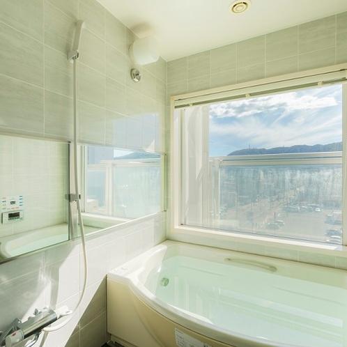 全室洗い場付きのビューバス仕様。自動給湯システム完備。