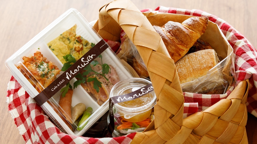 洋食バスケットは、お部屋にお届けになります。お部屋でゆっくり朝食を頂くことができます。
