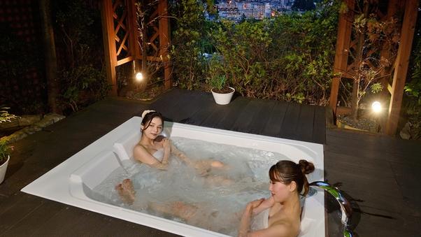 【アジアンスイート】総ひのき又はジェットバスの温泉露天風呂