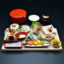 【食事】期間限定和朝食膳!提供回数を極力減らしたお膳スタイルでご用意。