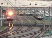 ホテルの窓から 電車
