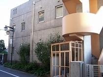 ホテルの裏