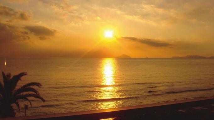 【12/31、1/1限定】朝焼けのビーチサイドで年末年始(夕朝食付き)