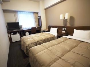 ◆ツイン◆内装も茶系を基調とし落ち着いた雰囲気のお部屋です