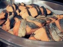 朝食バイキングメイン会場-本館◆ある日の焼き魚(日替わり)