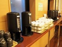 朝食バイキングメイン会場-本館◆お茶、コーヒーコーナー