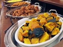 朝食バイキングメイン会場-本館◆ある日の料理-③(日替わり)