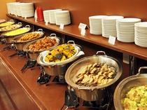朝食バイキングメイン会場-本館◆バイキング料理提供ライン-①(日替わり)
