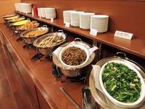 朝食バイキングメイン会場-本館◆バイキング料理提供ライン-④(日替わり)