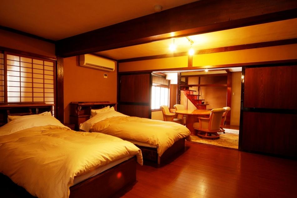 別館『花』1階洋室