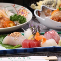 【ご夕食一例】新鮮なお造り。味はもちろん、見た目にもこだわり有!