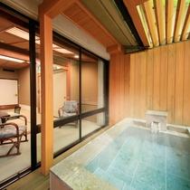 源泉掛け流し露天風呂付客室【和室10畳】でプライベートな空間を満喫♪