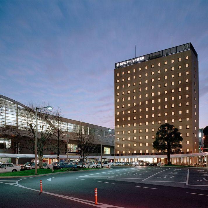 鹿児島中央駅とホテル(夜)