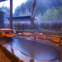 母屋特別室 露天風呂一例