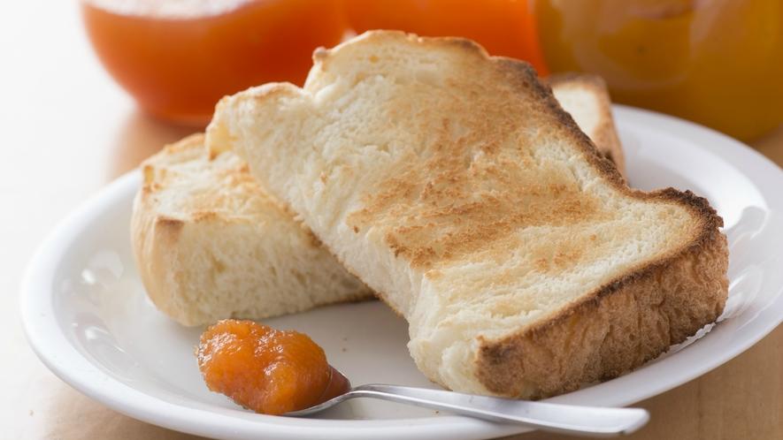 【朝食】手づくりの焼立てパンに自社菜園で作った当ホテルオリジナル完全手作りの野菜ジャムは大人気!