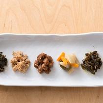 【朝食】自家製のお漬物やお味噌でお箸が進みます☆