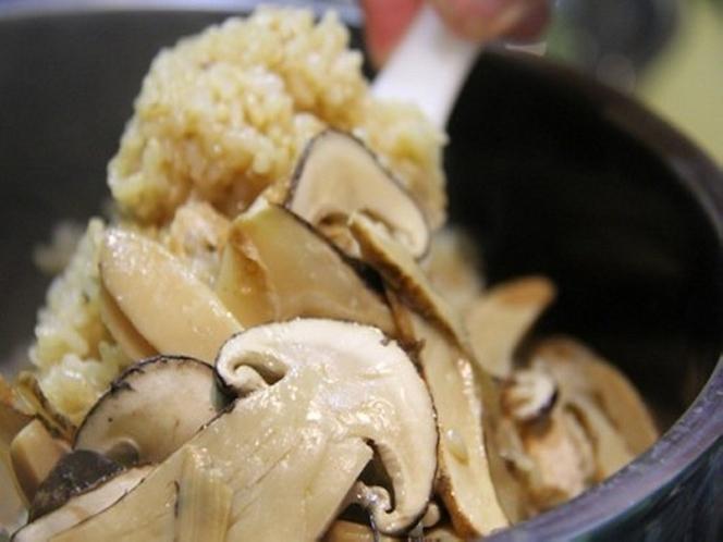 「秋」 国産・松茸プラン 【松茸の釜炊きご飯】