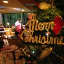 ◇クリスマスツリーとロビーコンサート