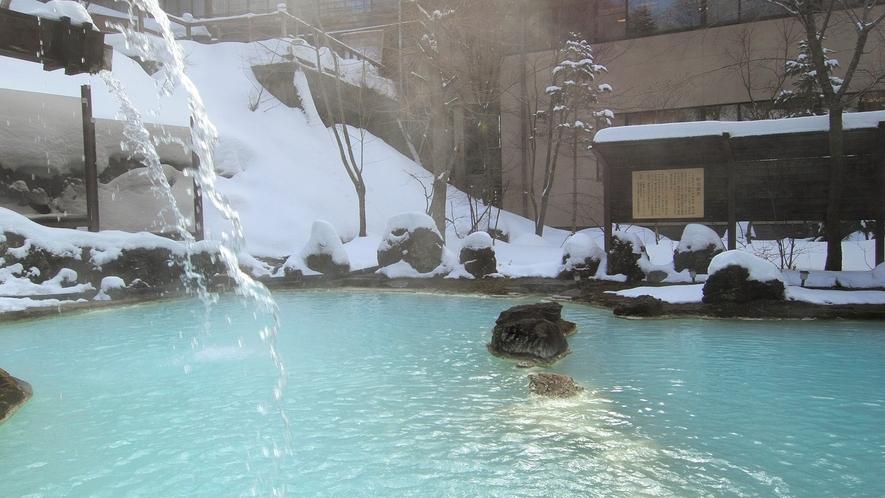 ・【冬】朝日が差し込む混浴野天