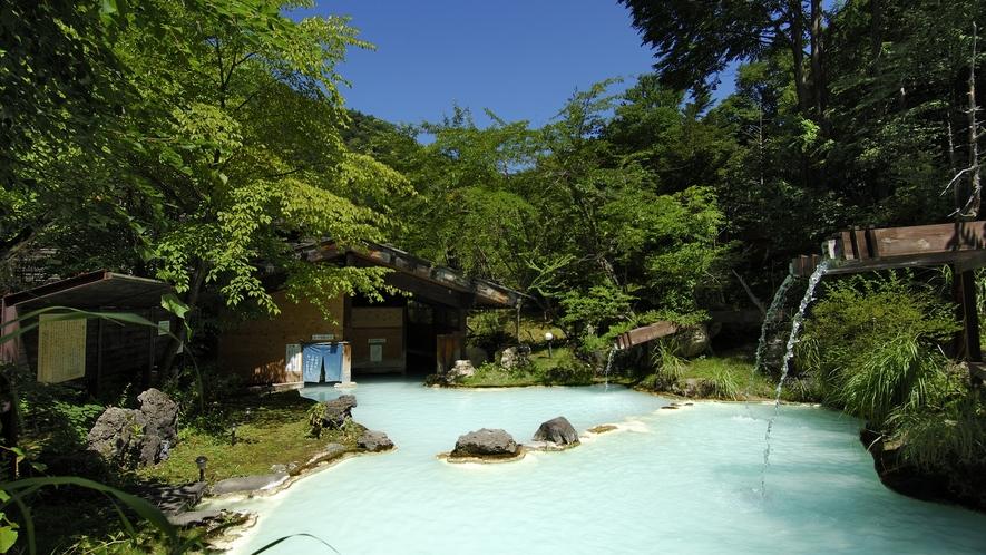 ・【夏】盛夏・青い空と白い湯