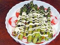焼きアスパラのサラダ