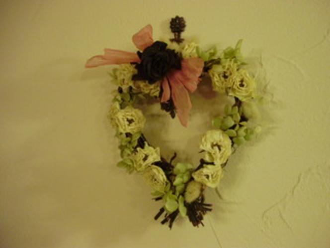 庭の花のリース1