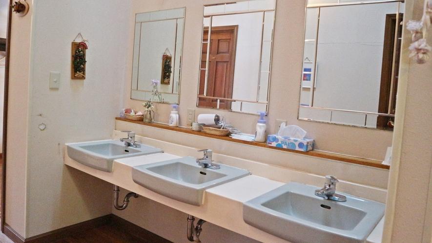 *館内一例/洗面スペースは共有となっております。