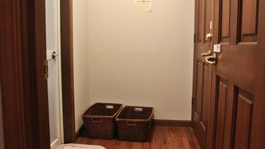 *館内一例/脱衣所。