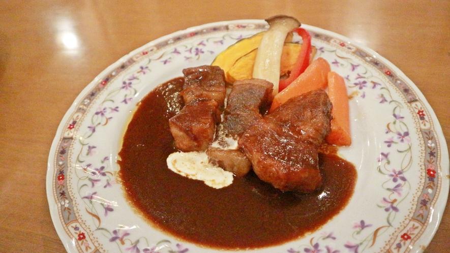 *夕食一例/きめ細やかな霜降りと、しっとりとした柔らかい質感の「前沢牛」をビーフシチューでご提供♪