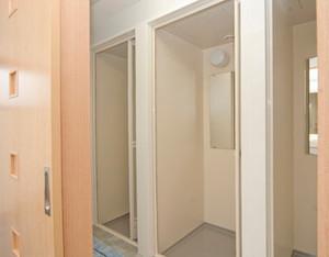 新館・シャワー室