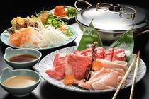 山形牛・米沢牛・三元豚の3種盛り合わせという贅沢なメニュー。上質なお肉を食べ比べする至高の一品です。