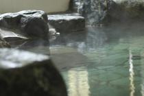 弥五郎の湯はダイナミックに岩を配した岩風呂が自慢です。自然の露天風呂に入っているような気分を満喫。