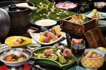 春の訪れを感じる、旬の素材を使った春の膳。花が咲き乱れる山のように料理の数々が並ぶ華やかな御膳です。