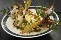 平安時代から続く日本の伝統行事お食い初め。華やかな祝い鯛はお食い初めに欠かせないメニューの一つです。