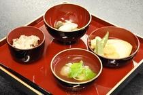 お子様の大切なお祝いを大和屋で行いませんか?赤ちゃんの成長を願う、お食い初め膳をご用意しております。