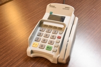 VISA,MASTER,JCBなど、各種クレジットカード決済が可能です。詳しくはスタッフまでどうぞ。