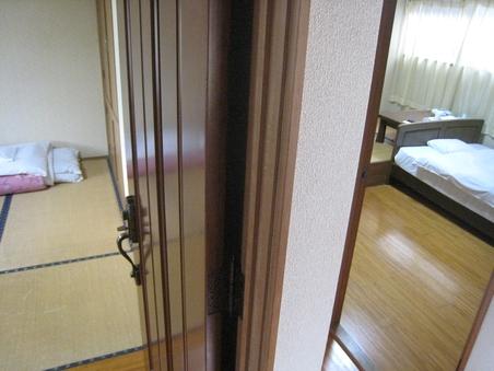 別館離れ2部屋のコネクティングルームお風呂、トイレ付