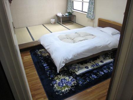 エコノミータイプ(バス、トイレ付)和室、和洋室、ベッド